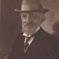 Portrait of bearded man wearing fedora
